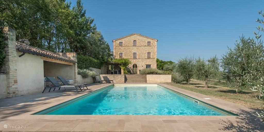 Vacation rental Italy – villa Casa Edda