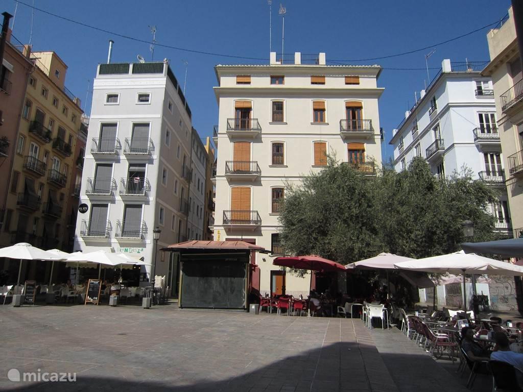 Gezellig pleintje in Barrio del Carmen, het oudste deel van de stad.