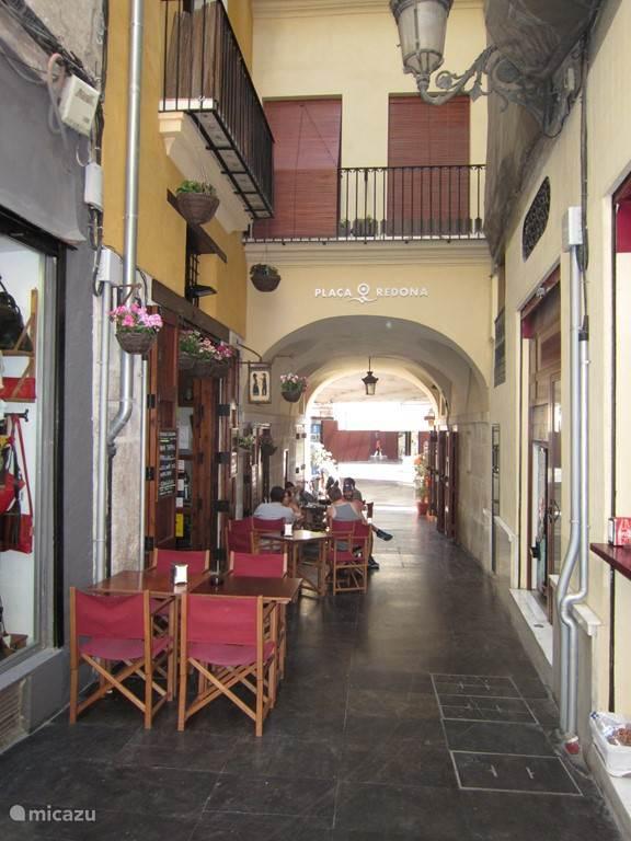 Gezellig terrasje in de binnenstad, bij de Plaza Redonda