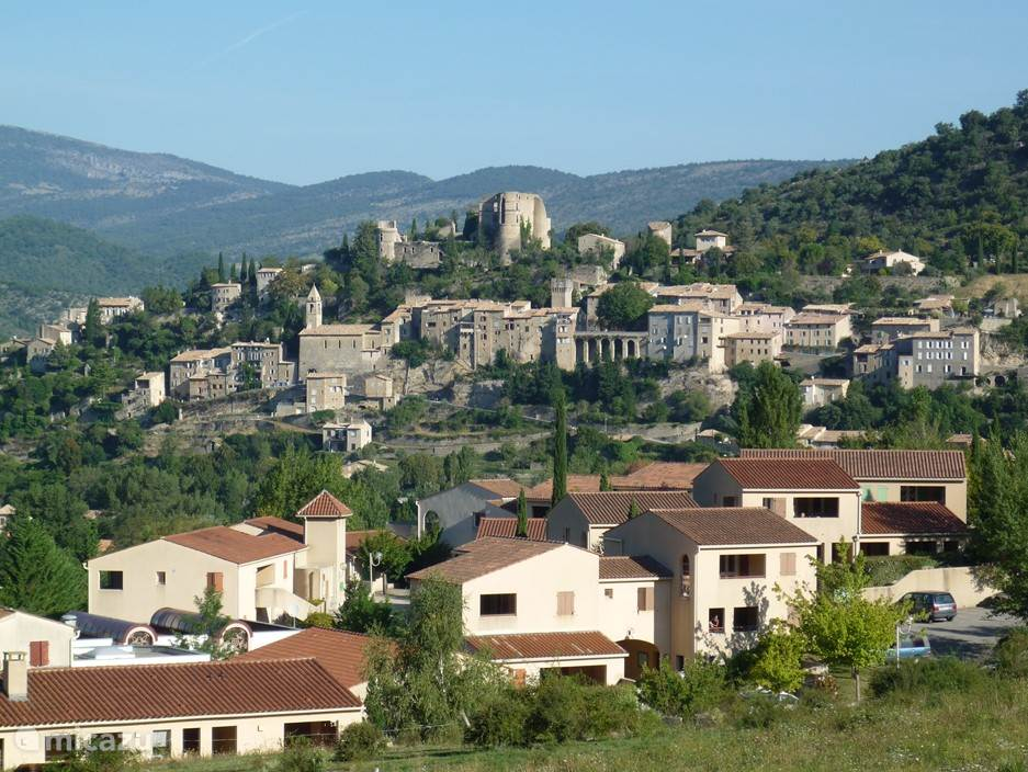 Uitzicht op Montbrun-les.Bains