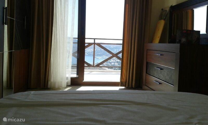 Het uitzicht vanuit uw bed.