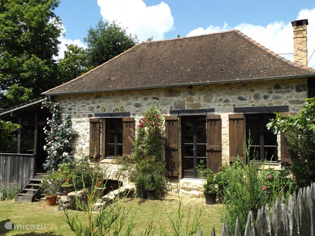 Vacation rental France, Limousin, Château-Chervix Holiday house Les Chambaudies