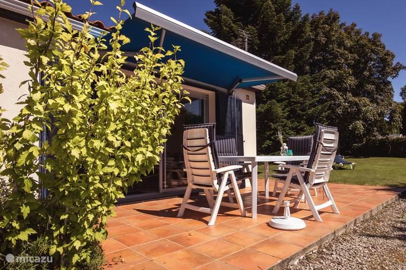 Vakantiehuis Frankrijk, Charente, Écuras Vakantiehuis Le Chat 122, Village Le Chat 122