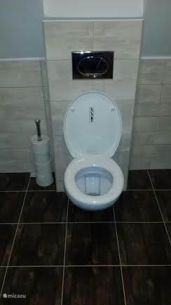 2e toilet boven