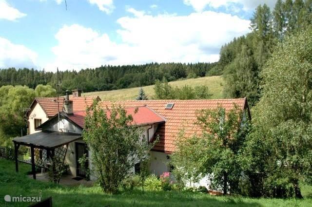 Het huis in de mooie Tsjechische nazomer