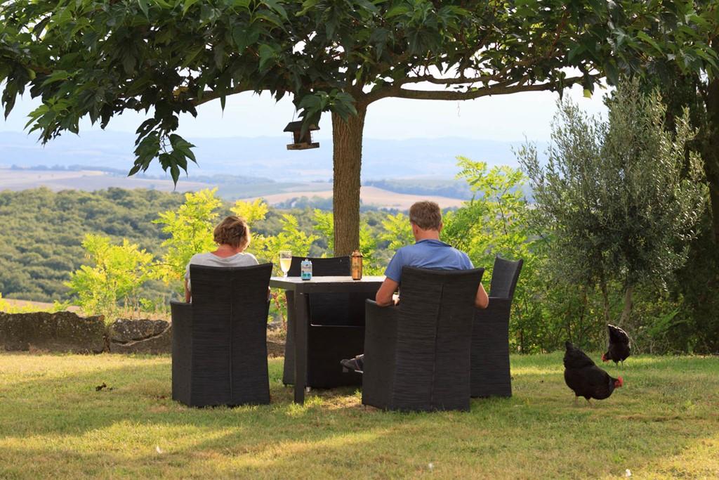 Gite beschikbaar tot 14 juli, kom genieten van de rust, het zonnige weer en het prachtige uitzicht en de mooie omgeving van Carcassonne ( 18 km )