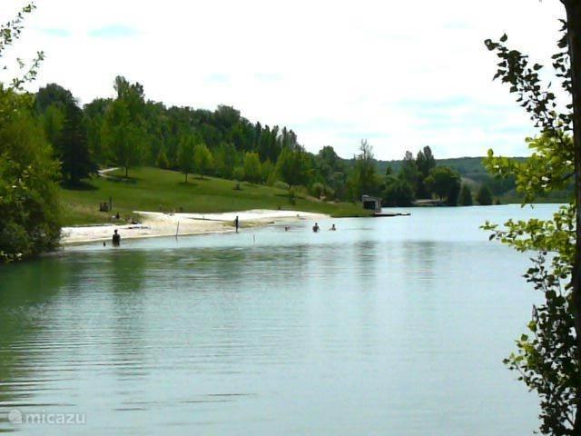 Het beroemde Franse meer van Moliere  met strand binnen 10 minuten bereikbaar