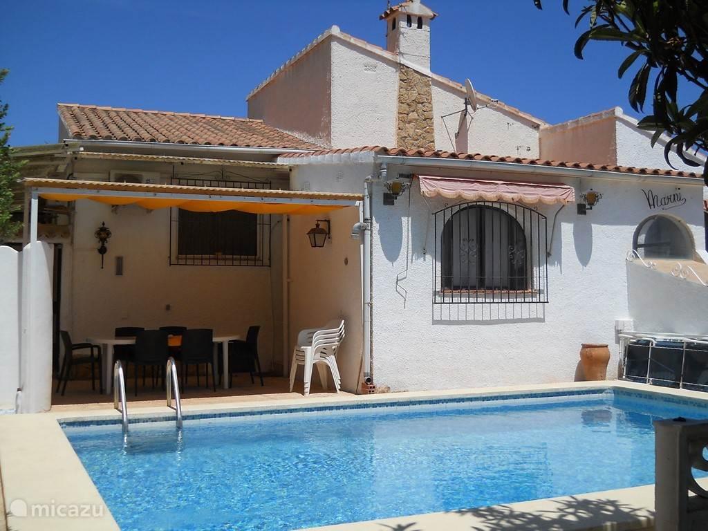 Casa Marni, zwembad en overdekt terras