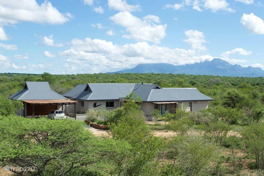 Villa Nagapie ligt echt in de bush