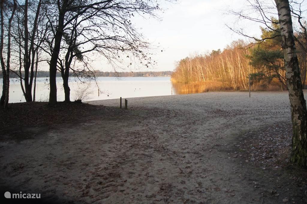 Het strandje om de hoek