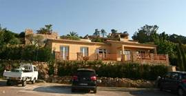 Brand new villas in Provencal style, large kitchen, all brand new inventory