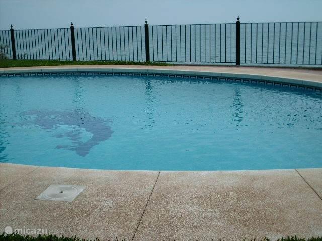 Mooi gemeenschappelijk zwembad!