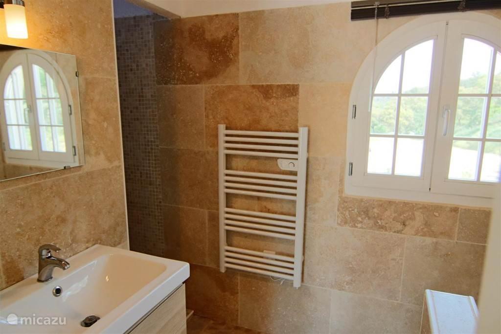 Badkamer op 2e etage