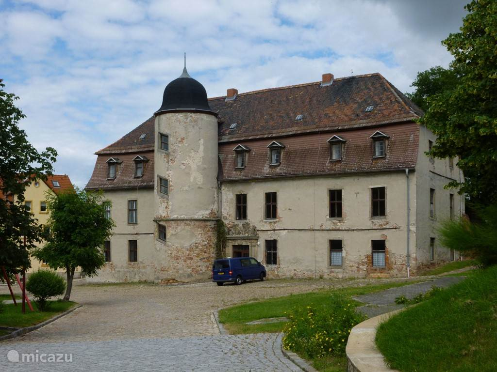 Vacation rental Germany, Saxony-Anhalt – manor / castle Guestroom in Schloss Gröbitz