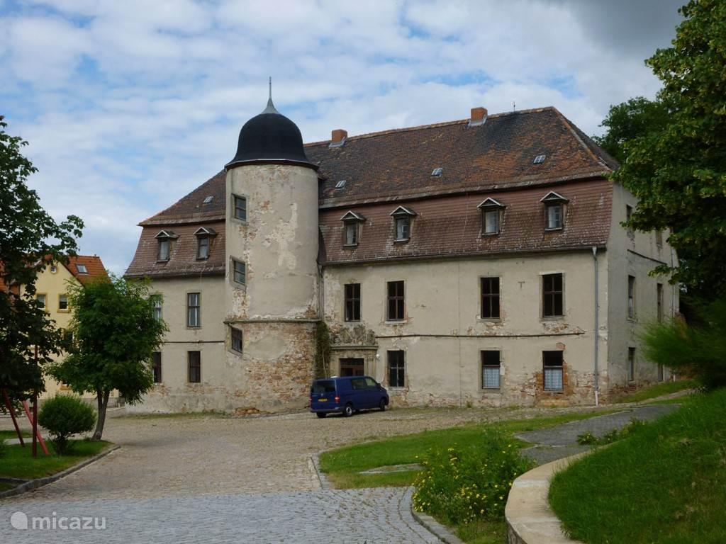 Vacation rental Germany, Saxony-Anhalt, Teuchern Manor / Castle Guestroom in Schloss Gröbitz