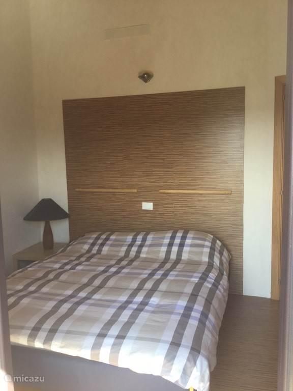 master bedroom op 2e verdieping
