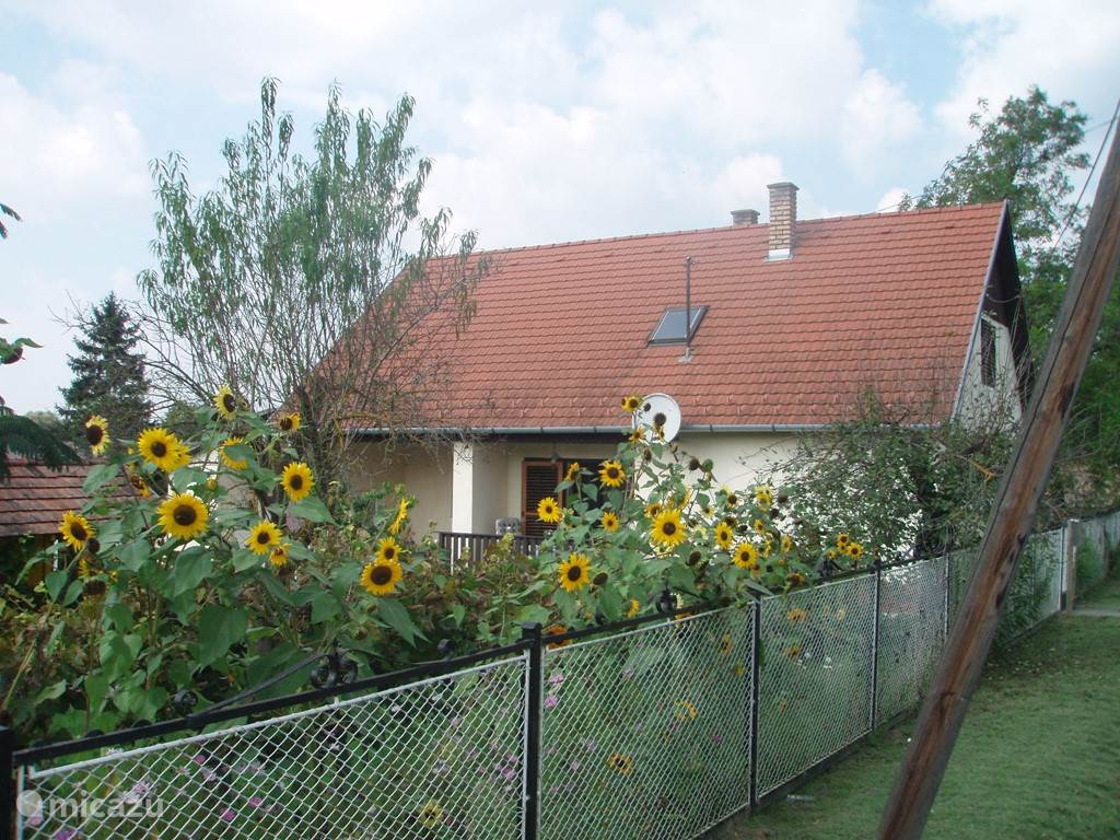 Vacation rental Hungary, Lake Balaton, Gyugy holiday house Nachtegaalhof