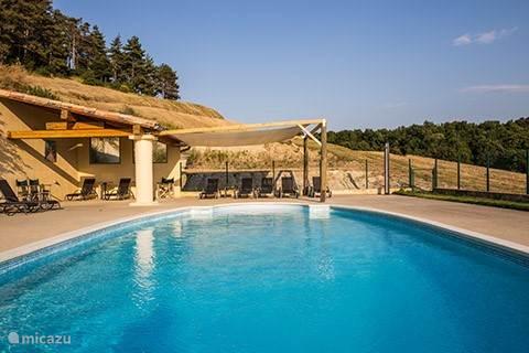 Vacation rental France, Languedoc-Roussillon, Montréal  Gîte / Cottage Gite la Cuve at Domaine Caraman