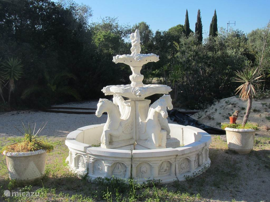 Een van de fonteinen van het park