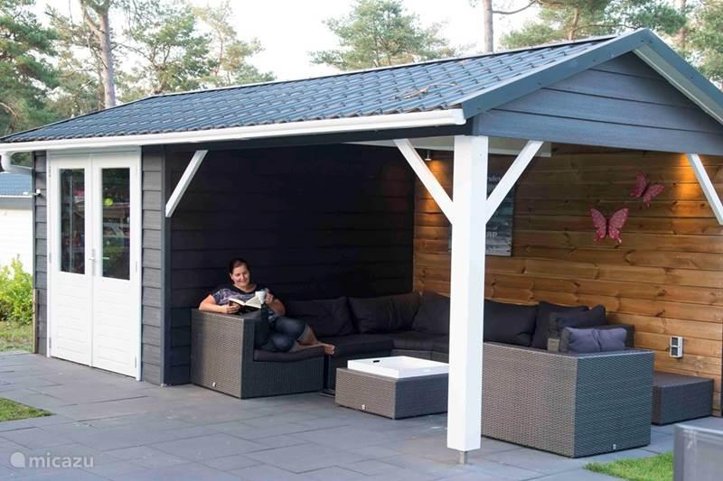 Vakantiehuis Nederland, Gelderland, Beekbergen Chalet Ons plekje in het bos op de Veluwe
