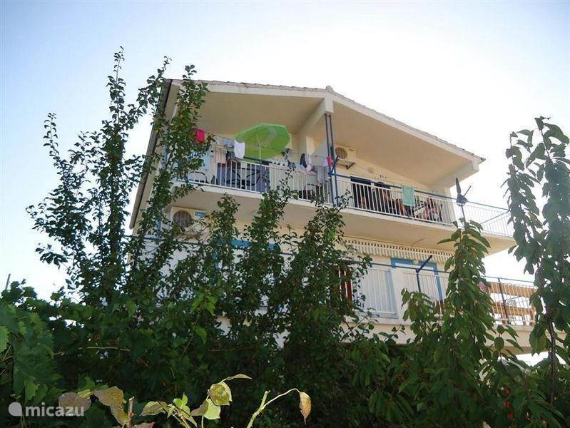 Vacation rental Croatia, Dalmatia, Tribunj - apartment Holiday Mladenka Tribunj