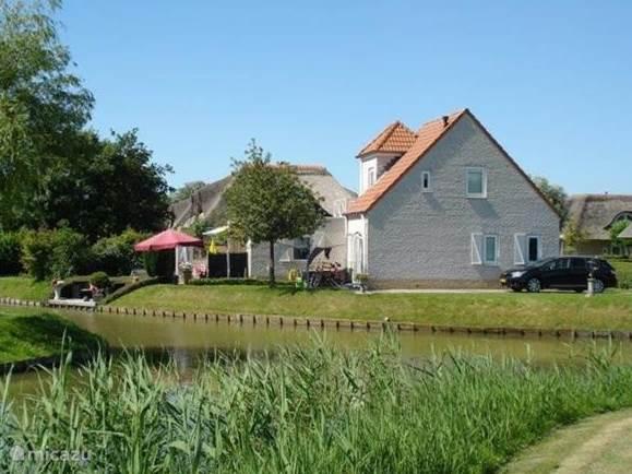 Vakantiehuis Nederland, Zuid-Holland, Hellevoetsluis - bungalow Wiels Huis