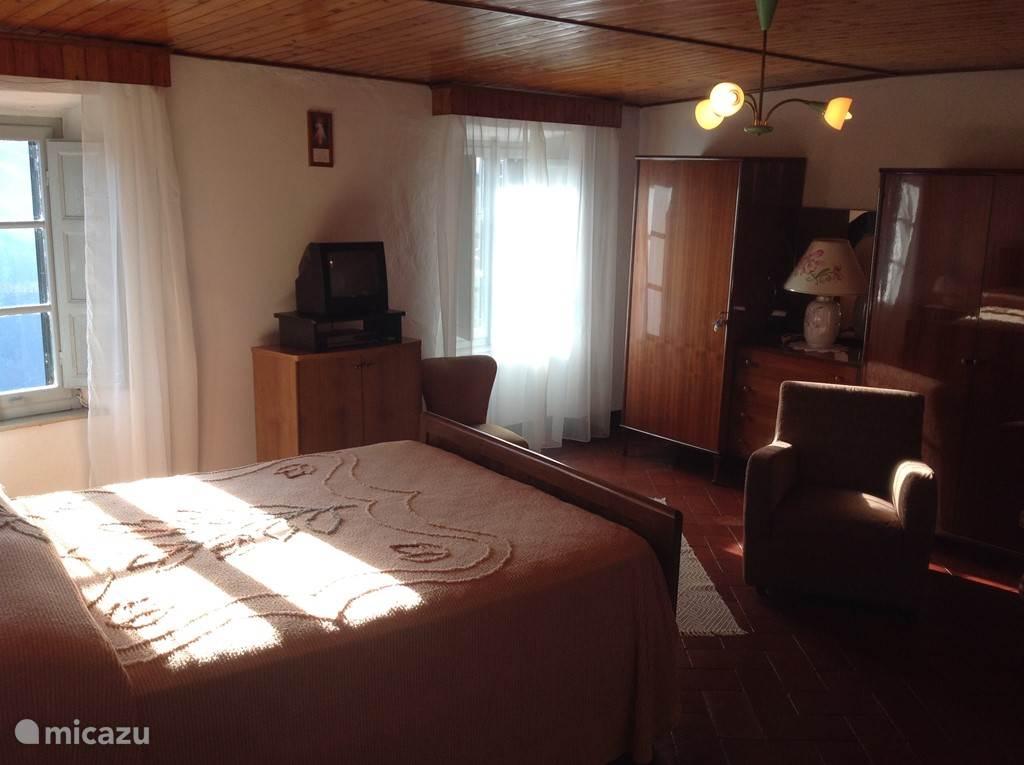 Slaapkamer met 2 persoonsbed (twijfelaar)