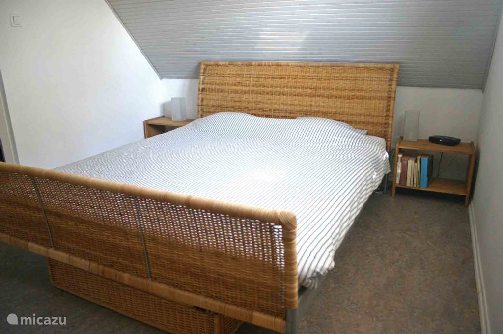 The master bedroom with 160cm bed