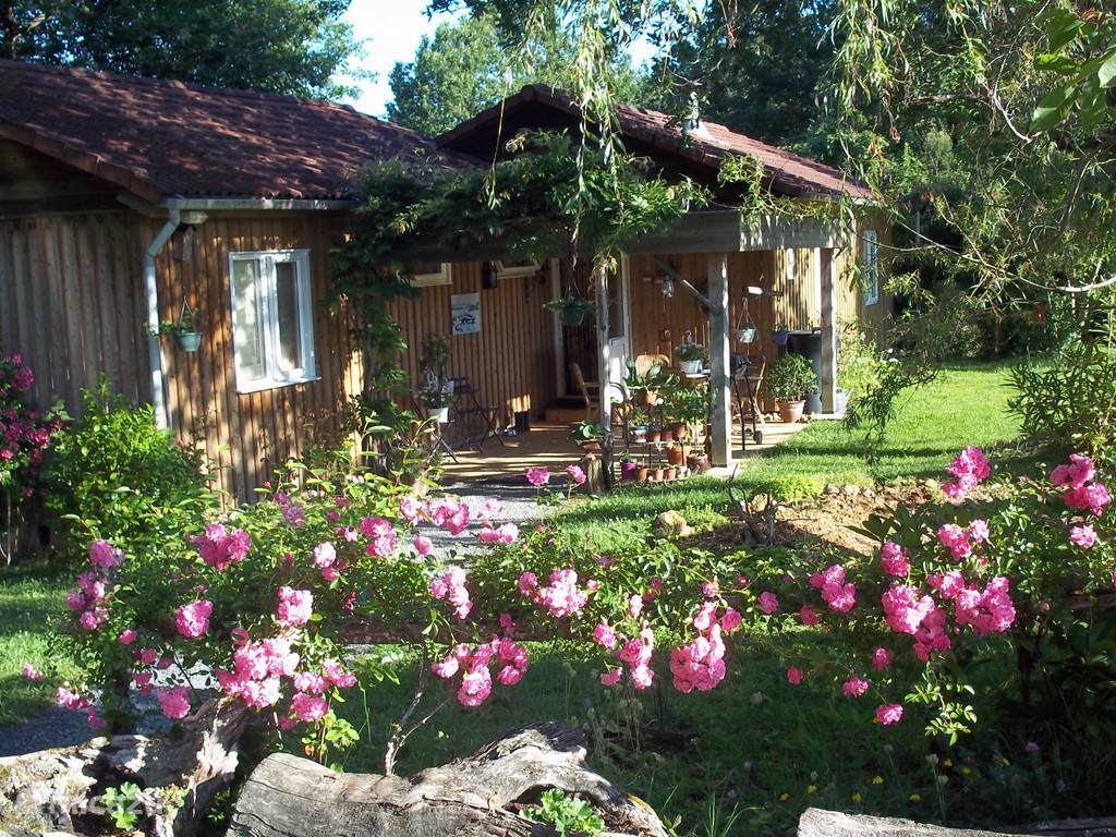 Vacation rental France, Dordogne, Bourrou bungalow Bourrou-Hasewinkel