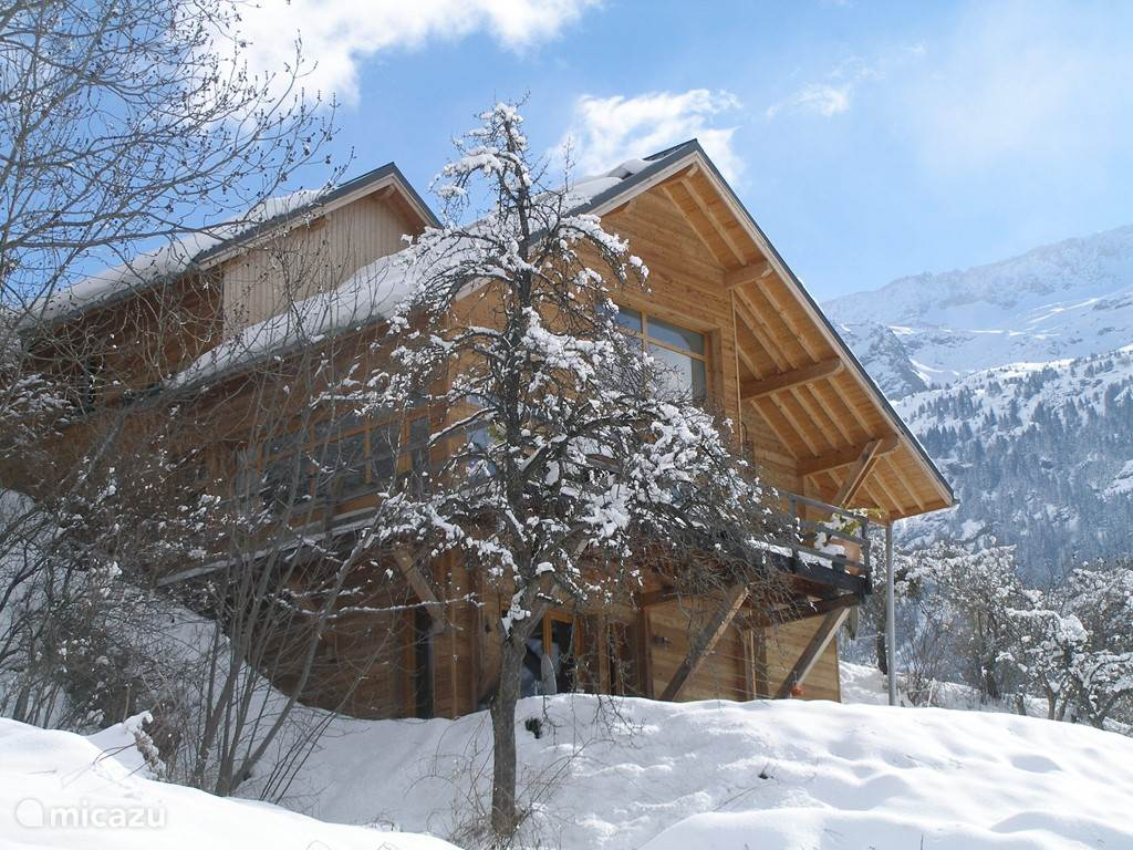 The Vaujany Mountain Lodge in de winter