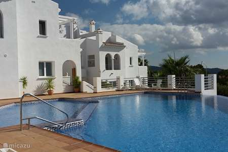 Vacation rental Spain, Costa Blanca, Jalon bungalow Falling del Paraiso
