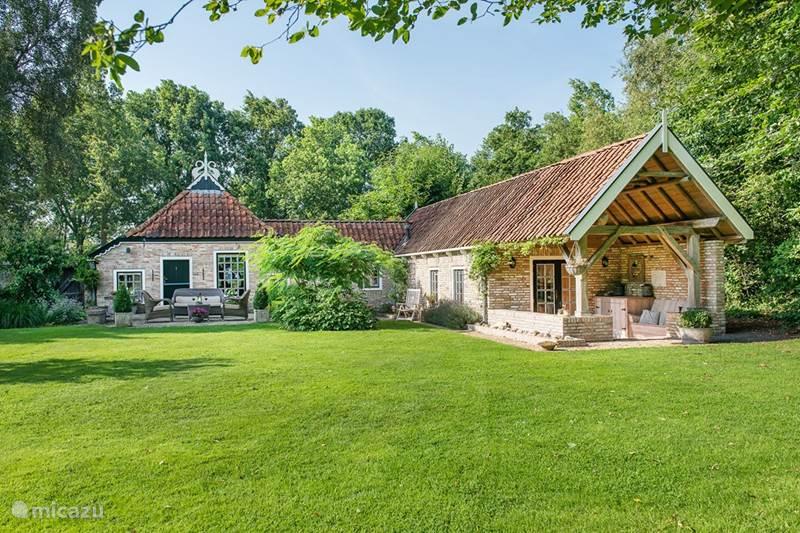 Rent farmhouse The Stork a true paradise in Lippenhuizen ...