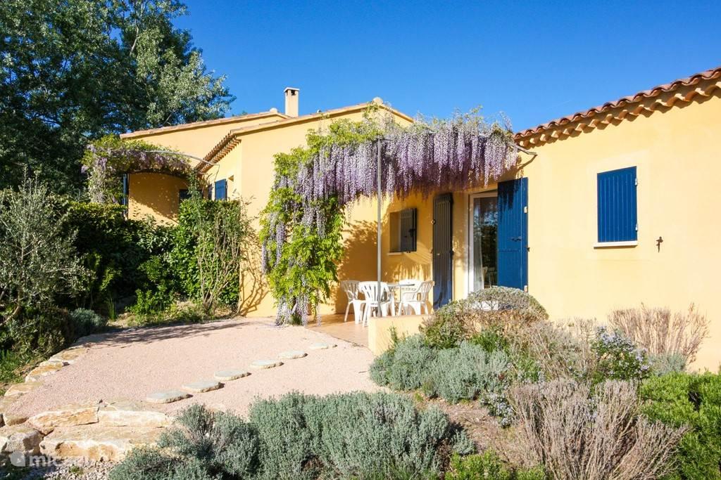 Vacation rental France, Drôme, Mirabel-aux-Baronnies bungalow Gites la Françonne - rosé