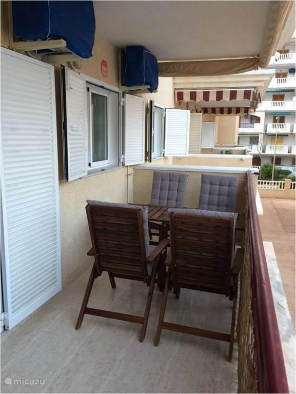 terras met zeezicht, ideaal voor vier personen