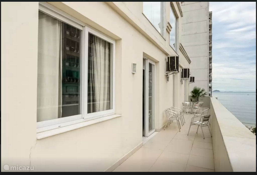 Very large balcony with views of Copacabana!