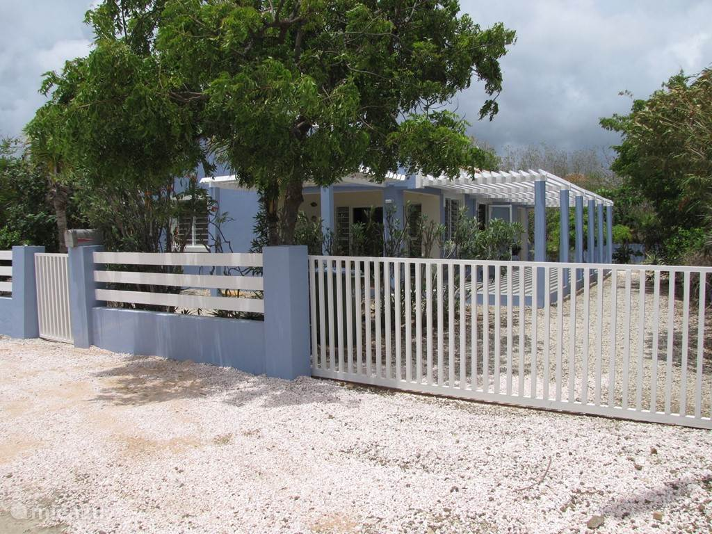 Vacation rental Bonaire, Bonaire, Belnem holiday house BlenchiBonaire