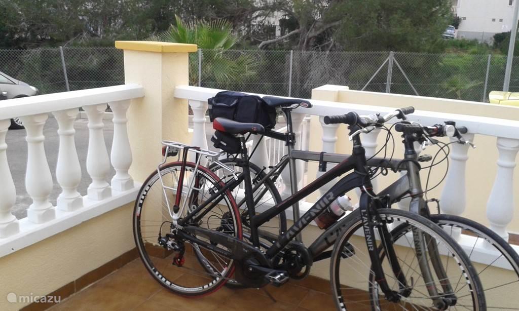 Twee fietsen te gebruiken