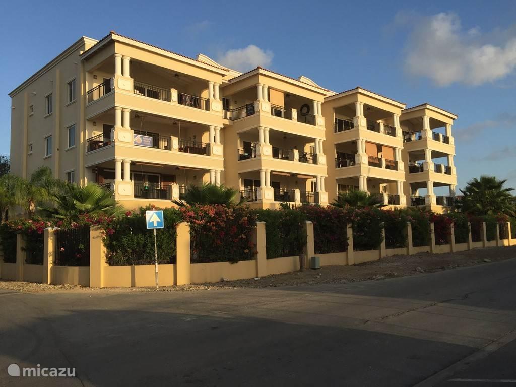 Voorzijde Bon Bini Haussman Apartment