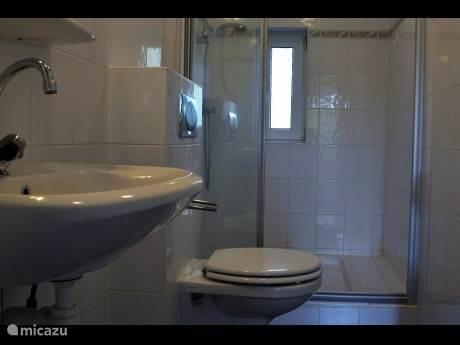 badkamer ( interieur kan per woning verschillen )