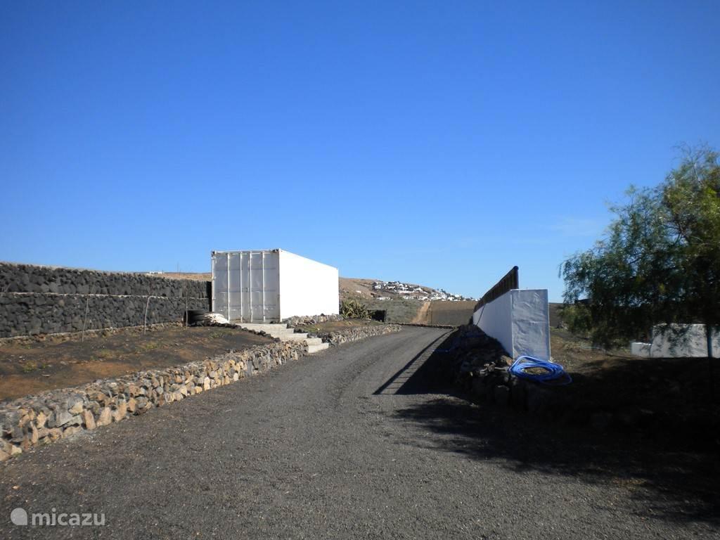 Nazaret, gezien vanaf de andere kant van de inrit