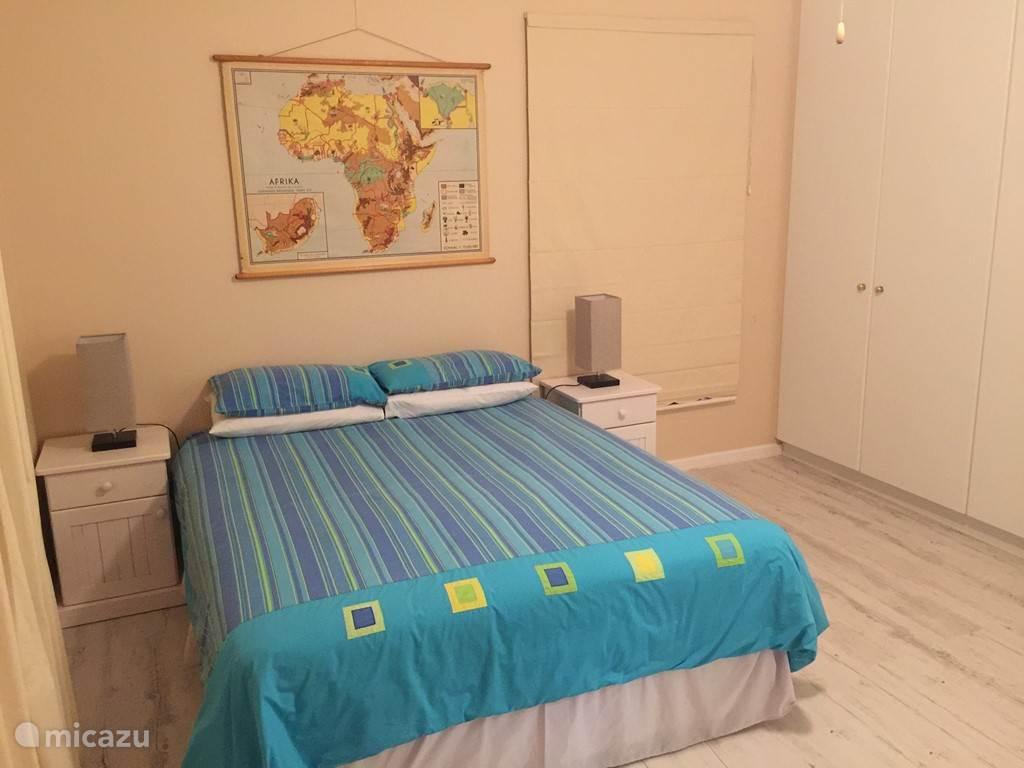 De 2e slaapkamer (2nd bedroom)