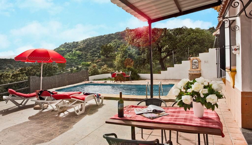 24 sept-13 okt met 20% korting. Heerlijk weer, een prive zwembad, rust en een uitzicht om over naar huis te schrijven! Wie wil dat nou nou niet?!