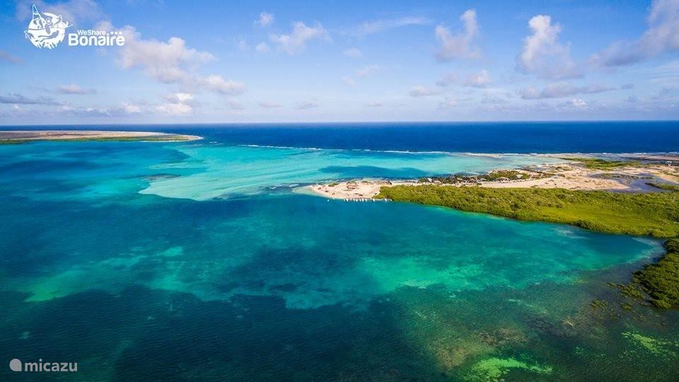 Bonaire vanuit de lucht