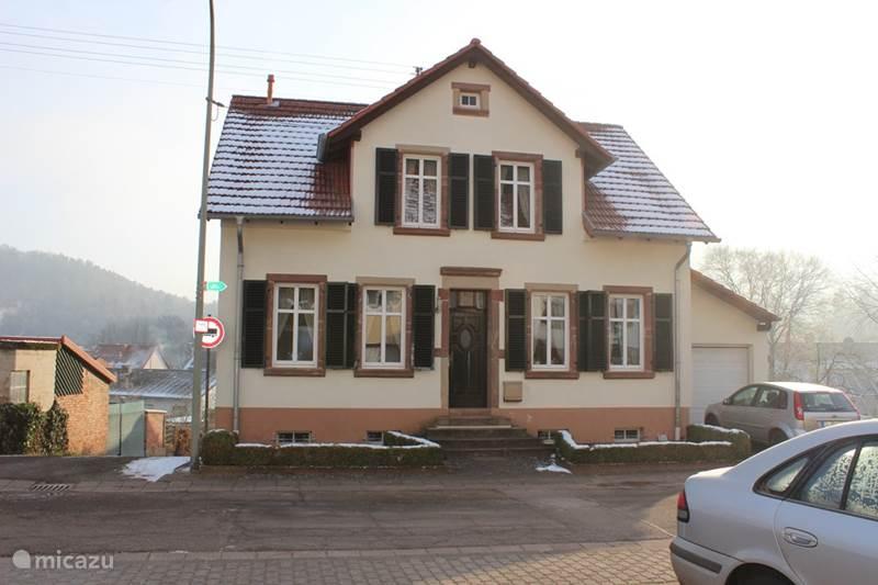 ferienhaus ferienhaus siersburg in rehlingen siersburg. Black Bedroom Furniture Sets. Home Design Ideas