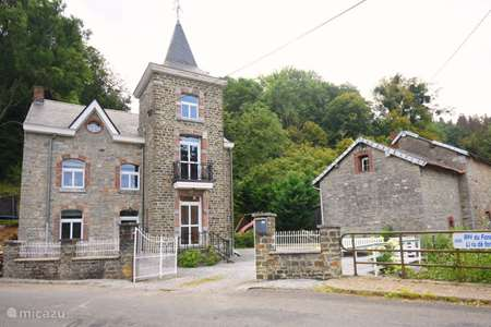 Vacation rental Belgium, Ardennes, Harzé manor / castle Petit Chateau Harze