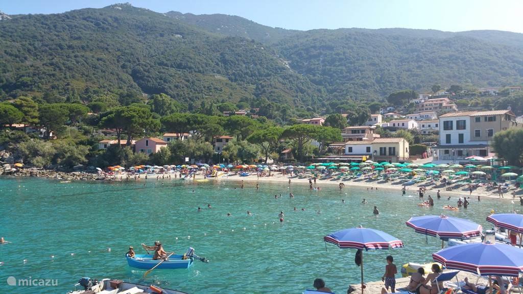 Het prachtige strand van Sant Andrea