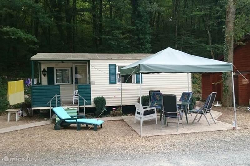 Rent a mobile home la chenille in tourtoirac dordogne for Modular homes france