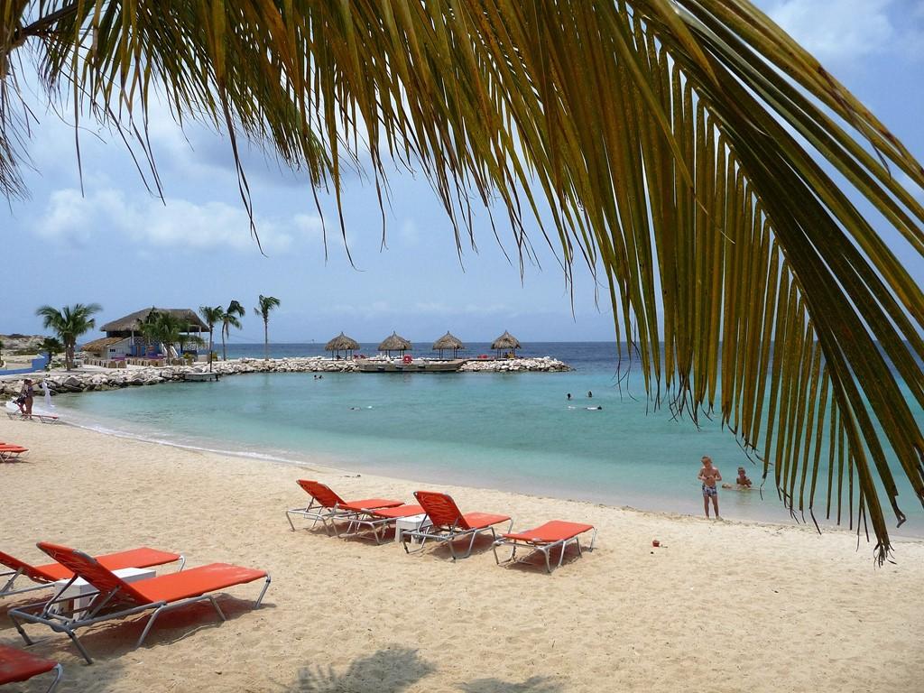 Samen genieten van een onvergetelijke tropische vakantie! *Luxe villa voor 6 pers. *200m van het mooist strand van Curacao *Snorkelen/duiken