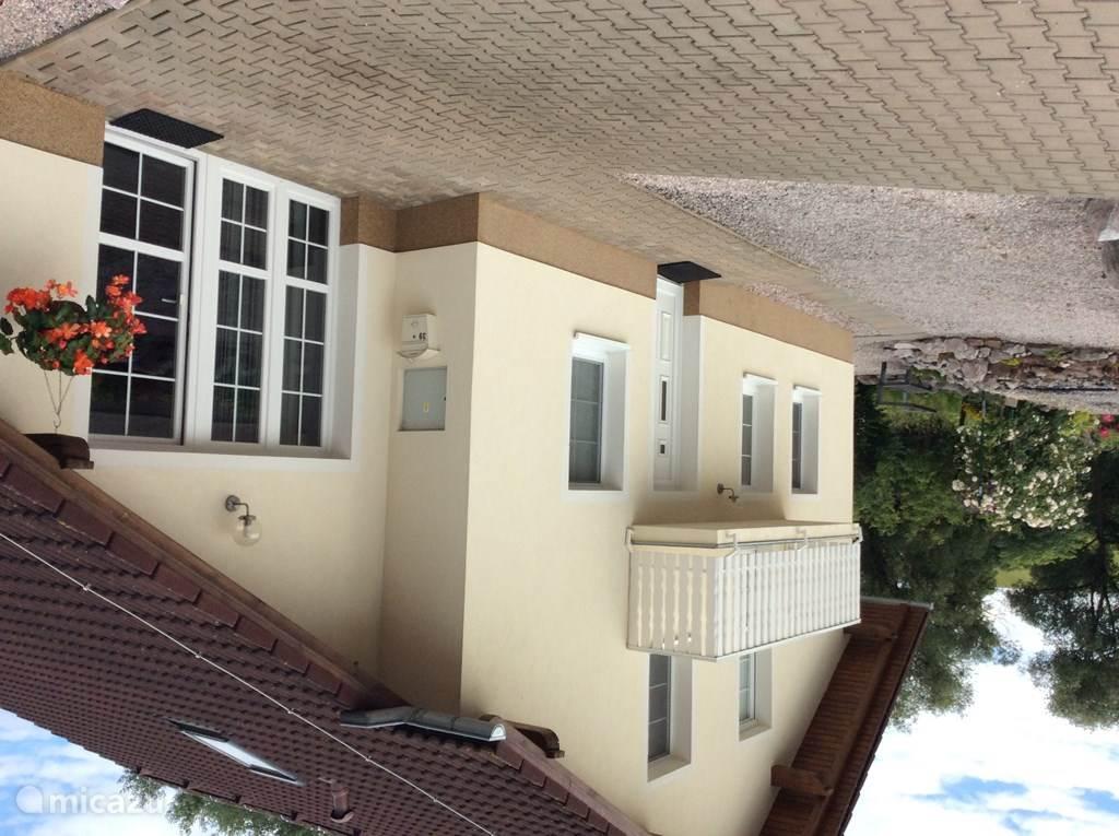 Vakantiehuis Tsjechië, Reuzengebergte, Mlade Buky villa Luxe villa bij golfresort