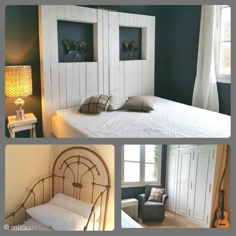 De Liselore kamer met 2 persoonsbed, zijkamer met 1 bed en kleine kamer met ledikant